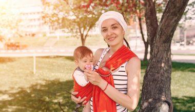 Chia sẻ của mẹ bỉm về kinh nghiệm mua địu cho bé